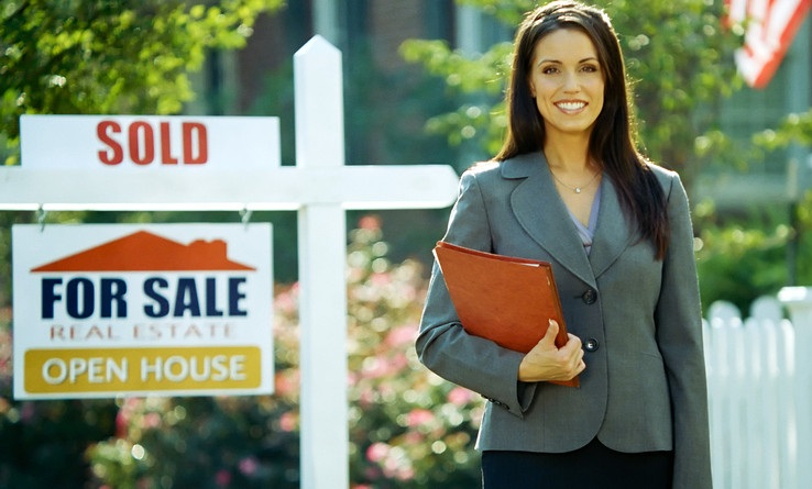 What Dress Style Should Real Estate Agents Wear?