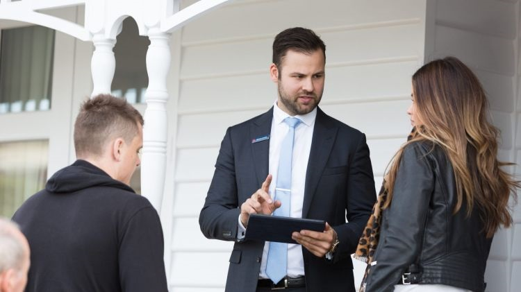 Self-Background Check Tips For Real Estate Agents